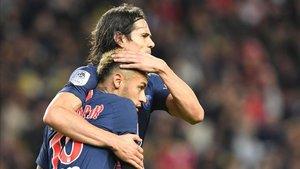 Cavani y Neymar en un partido con el PSG