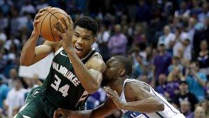 Los Bucks vencieron a los Hornets de Charlotte a domicilio