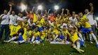 Los jugadores de Brasil celebran con sus medallas después de ganar la final de la Copa Mundial Sub-17 de la FIFA Brasil 2019 contra México en el estadio Bezerrao en gama, Brasilia, Brasil.
