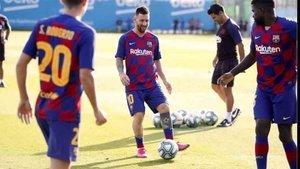 Messi sigue de baja en el Barcelona