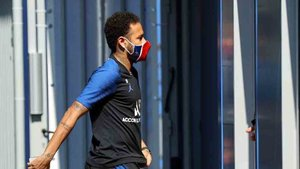 Neymar y el PSG no han negociado aún su contrato