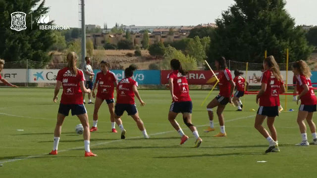 La selección española femenina de fútbol prepara su encuentro frente a Moldavia