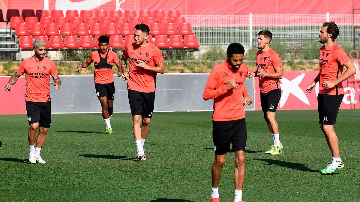 El Sevilla perdona a los jugadores que se saltaron el protocolo de desescalada y ya se ejercitan con el grupo