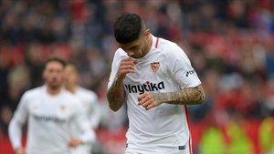 undefinedsevilla s argentinian midfielder ever banega celeb181216133841
