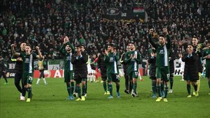 xortunoespanyol s players greet the audience during the e191128224122