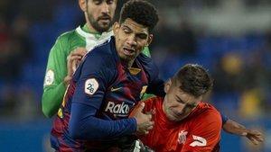 Araujo fue muy listo y el meta visitante picó en la acción del penalti