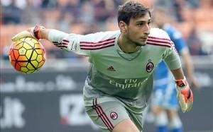 Donnarumma, de 17 años, fue convocado para la selección absoluta italiana