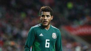 Dos Santos portando la playera de la Selección Mexicana
