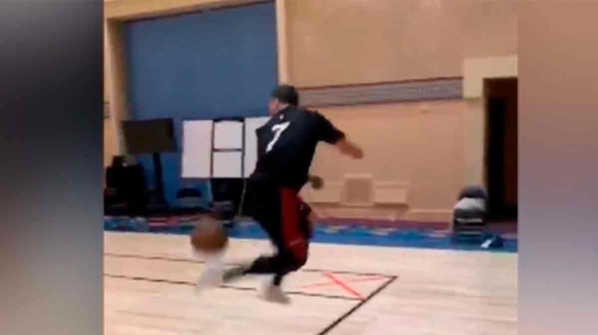 Dragic y Meyers nos sorprenden con malabares de fútbol, pero con una pelota de baloncesto