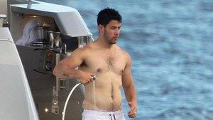 ¿Ha engordado Nick Jonas? Las redes arden con esta foto