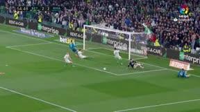 LALIGA   Betis - Real Madrid (3-5): El paradón de Adán