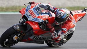 Lorenzo recupera la pole en Montmeló