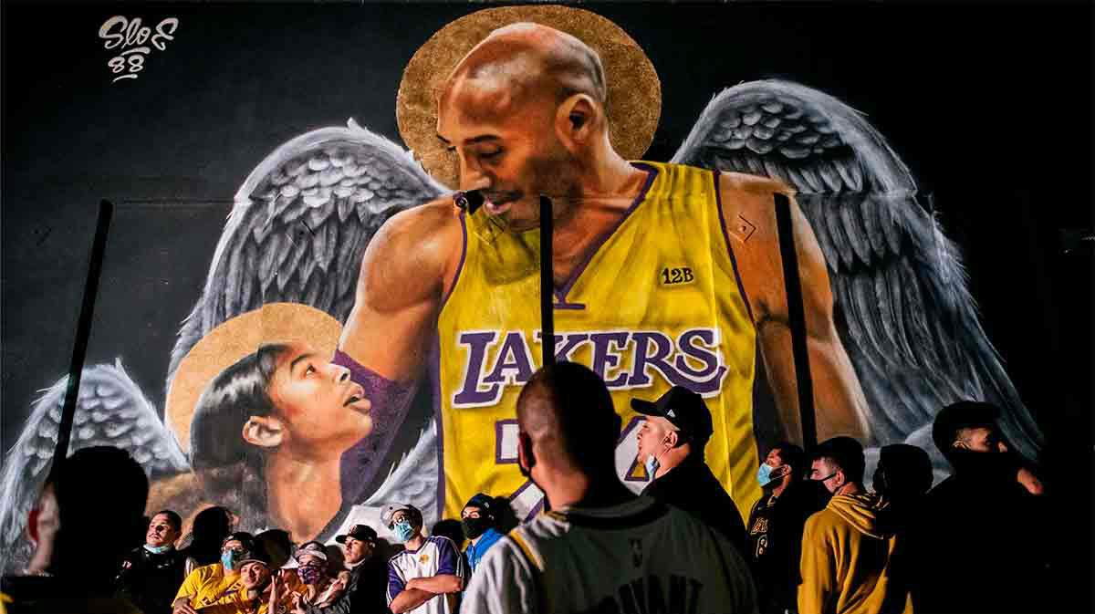 Los aficionados se acuerdan de Kobe Bryant en la celebración