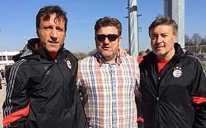 Miguel López, técnico del CD Masnou,conCarles Planchart y Domènec Torrent, ayudantes de Guardiola en el Bayern Múnich