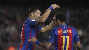 Neymar suspira por volver a celebrar goles con Luis Suárez