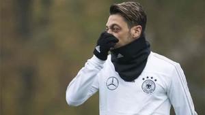 Ozil quiere dejar el Arsenal