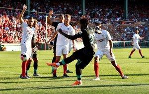 Sevilla acumula tres victorias consecutivas en pretemporada