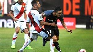 Sevilla y Rayo se miden en un duelo vital de aspiraciones opuestas