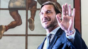 Totti visitó a sus amigos del Nápoles