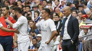 Zidane jugará con Vázquez en ataque