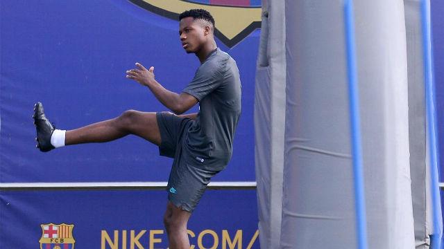 Ansu Fati ya entrena con Messi