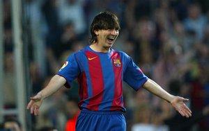 Costacurta no pudo aguantar el ritmo del Messi más joven