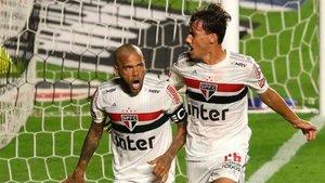 Dani Alves anotó el tanto de la victoria