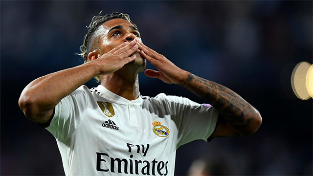 Ronaldo controversially sent off, Lyon stun Man City