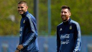 Icardi junto a Messi en la selección