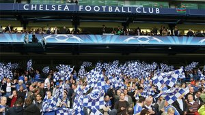 Imagen de la grada de Stamford Bridge ocupada por la afición del Chelsea