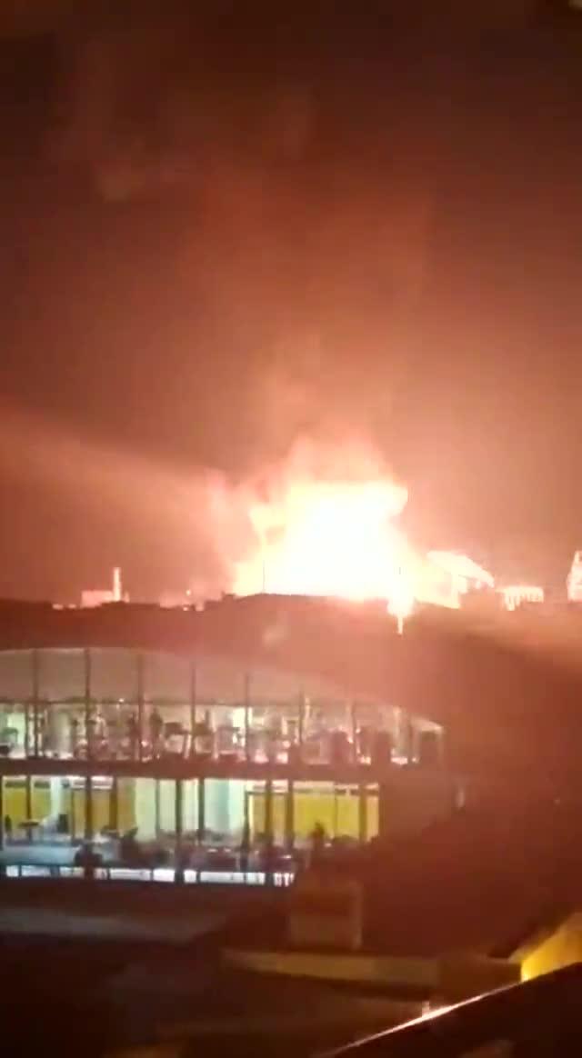 Un incendio provoca una explosión en un planta petroquímica de Tarragona