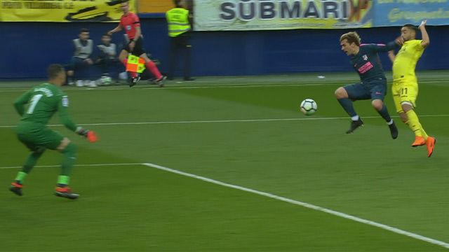 ¡Fernando Roig bajó al vestuario para abroncar al árbitro en el descanso!