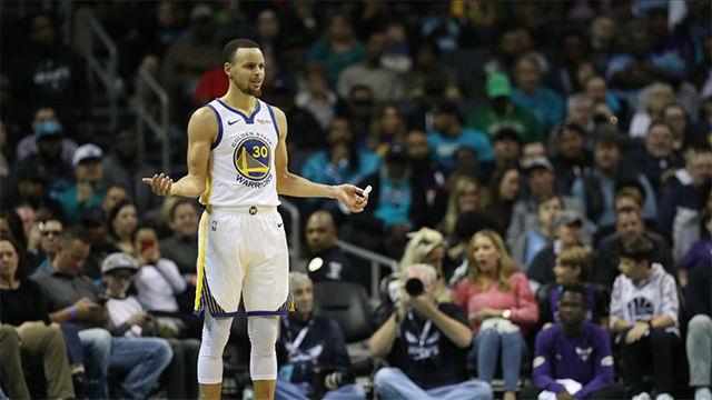 Los Warriors vencen a los Rockets en duelo de líderes de la NBA