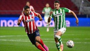 Luis Suárez persistió y encontró el premio en el añadido