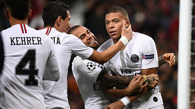 Mbappé somete al United en Old Trafford