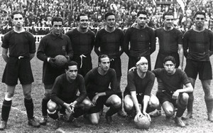 Munlloch,el primero por la izquierda en la fila superior, posa con el resto del FC Barcelona en el que, a su juicio, fue su mejor partido como azulgrana: contra Osasuna, en Copa (7-1) el 14.06.1936. Dio cuatro asistencias