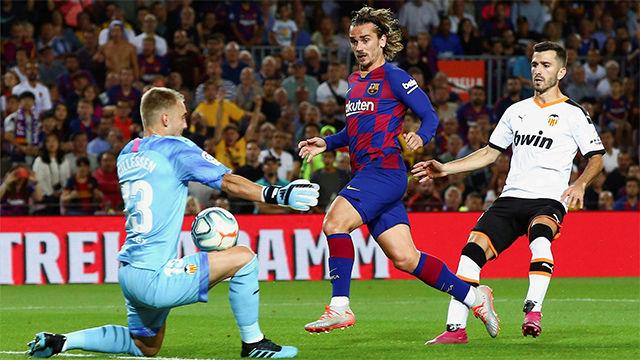 La triple parada de Cillessen para evitar el segundo gol del Valencia