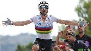 Alejandro Valverde, campeón del mundo en 2018, mostró su solidaridad