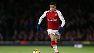 Alexis puede cambiar el rojo del Arsenal por el del Manchester United