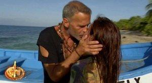 Carlos Lozano y Miriam Saavedra sellan su reconciliación con un beso
