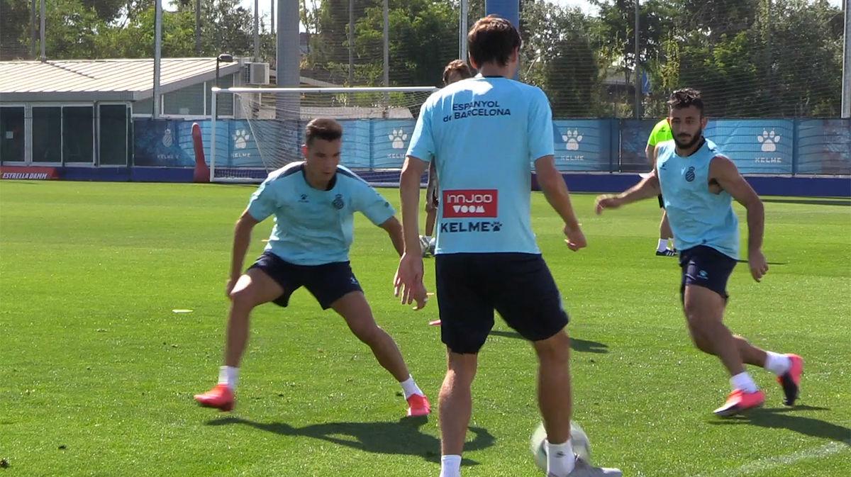 El Espanyol se entrena pensando en el derbi y la permanencia