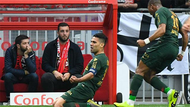 El golazo de Falcao al Rennes