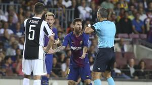 Messi se desquició con Skomina en el Barça-Juve de la fase de grupos
