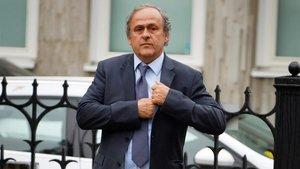 Michel Platini cargó contra la política seguida por el PSG