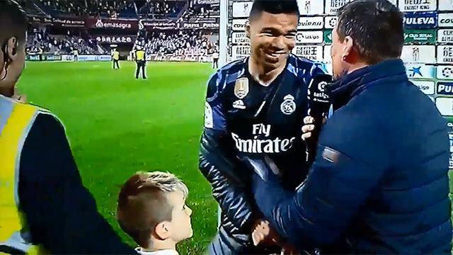 Un niño interrumpió la entrevista de Casemiro