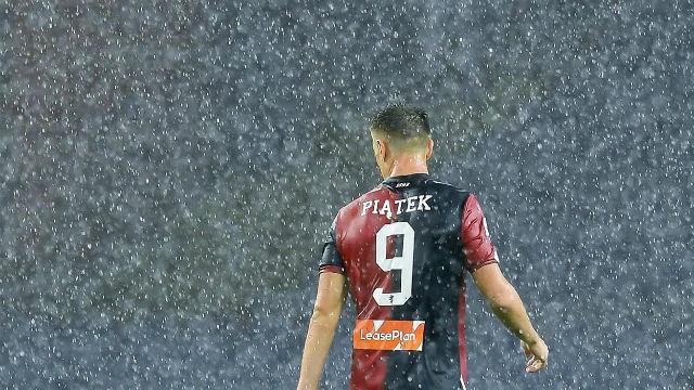 Piatek pasa revisión médica con el Milan