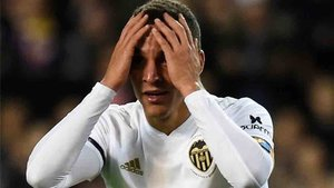 Rodrigo se quejó de los árbitros tras el Eibar - Valencia