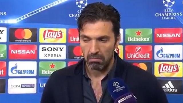 Tremenda rajada de Buffon contra el árbitro
