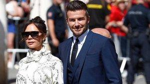 Victoria Beckham incumplió la regla de colores en la boda de Sergio Ramos y Pilar Rubio | Okdiario