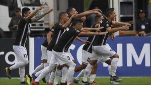 Zamora consiguió un gran triunfo y sueña con la Copa Sudamericana
